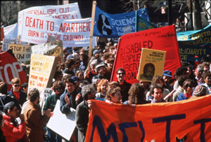 Manifestation anti-apartheid. Boston (Etats-Unis), 1986.